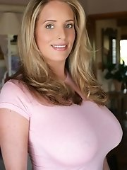MaggieGreen-tightpinktop