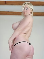 Malibu Candi showing off her udders and plays with her pussy